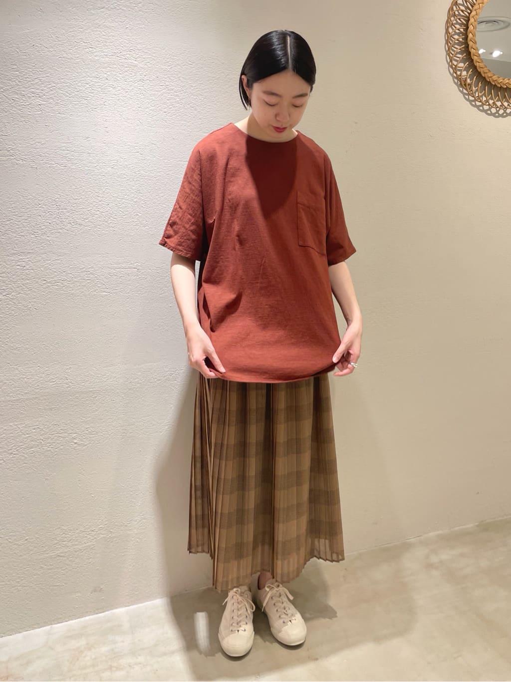yuni ニュウマン横浜 身長:166cm 2021.08.23