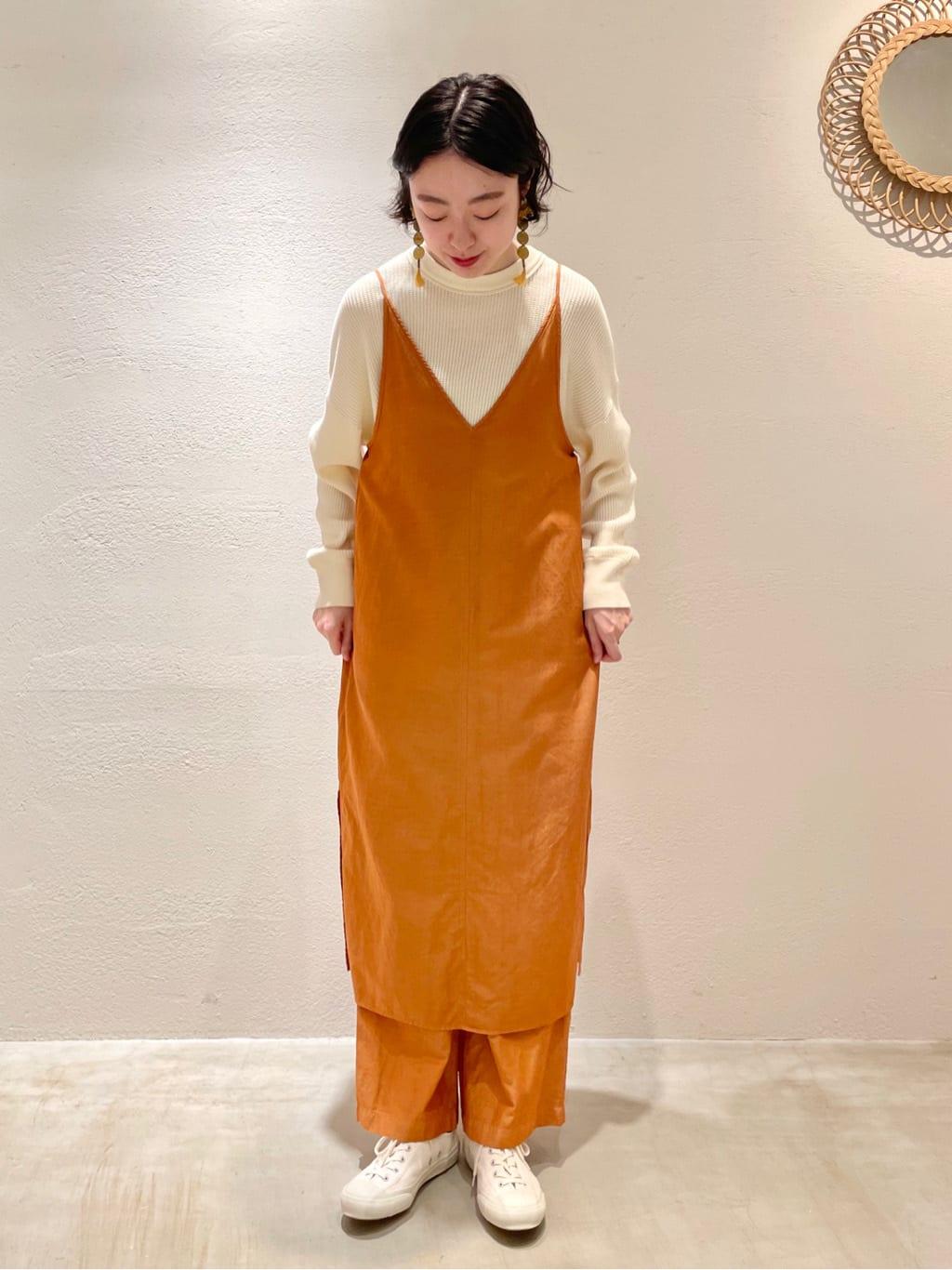 yuni ニュウマン横浜 身長:166cm 2021.10.06