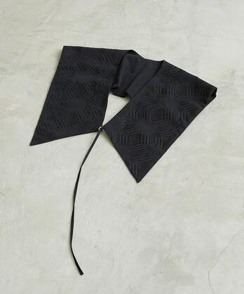○トライバルヘキサゴン刺繍つけ襟