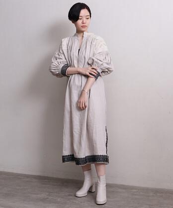 リネン刺繍×ピンタックプリーツ刺繍ワンピース