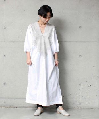 ○ 80ローン刺繍カフタンドレス